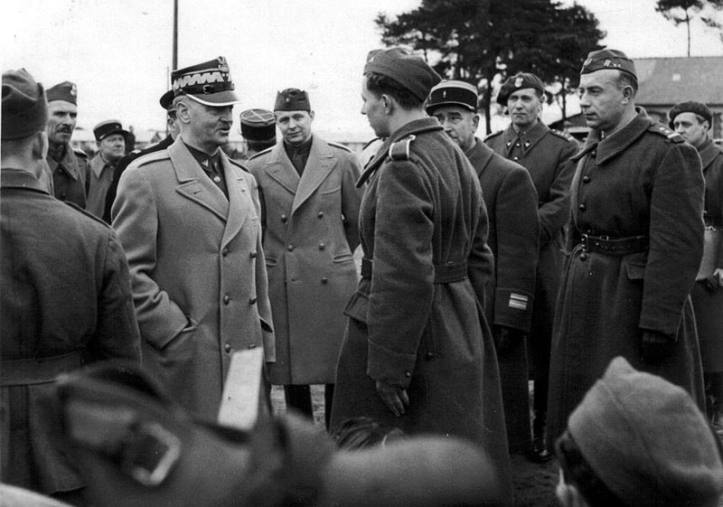 Gen. Sikorski among soldiers of polish army in France